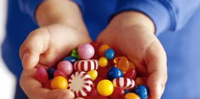How to Reward Toddlers With Candy for Potty Training