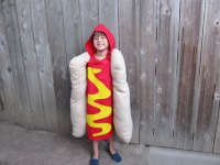 How to Make a Hot Dog Costume for Kids