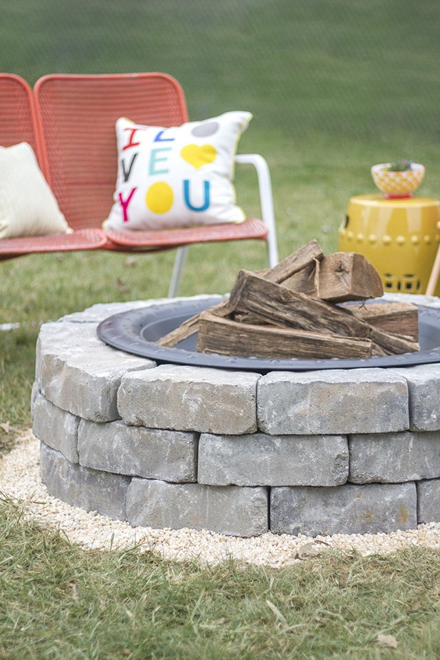 How To Build A Fire Pit With Landscape Wall Stones Ehow