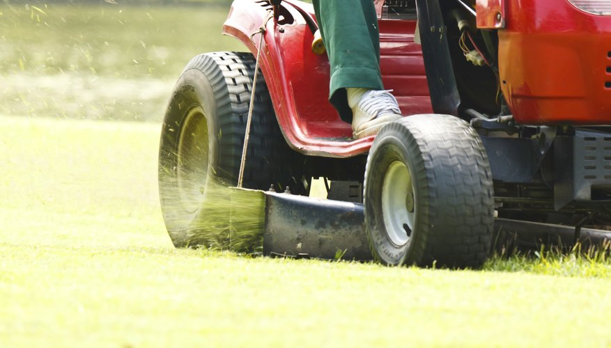 How to Make a Flier for Lawn Mowing Bizfluent - how to make flier