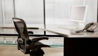How to Disassemble Office Chairs | Bizfluent