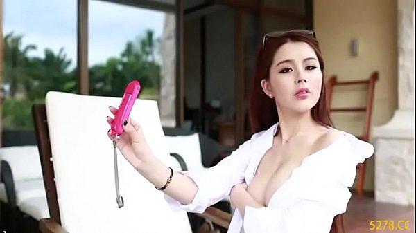 Pornktube chị gái chụp ảnh nude quay live cam