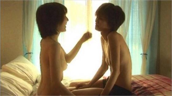 【濡れ場キャプ画像】濡れ場やベッドシーンで見せる女優さんの表情や乳首がエロいw 12