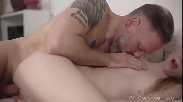 Phim sex ông già bú lồn địt nhau cùng con gái
