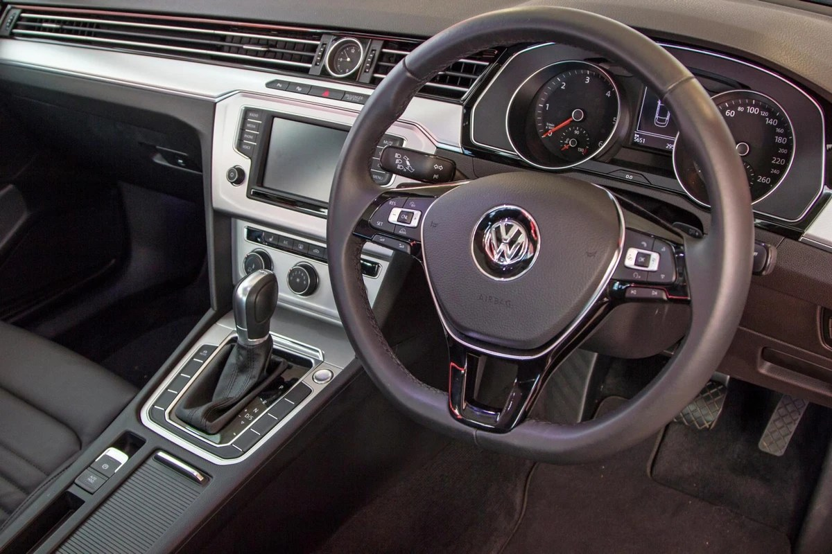 Dsg Passat Volkswagen Passat 2 Tdi Luxury Dsg 2017 Quick Review Cars Co Za