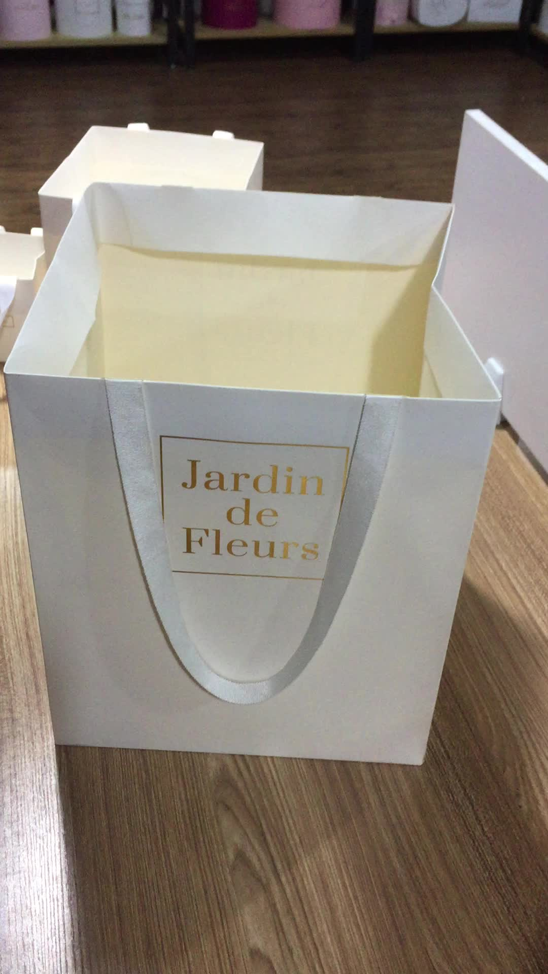 Paper Gift Bags Wholesale Wholesale Custom Designed Luxury Shopping Paper Bags Gift