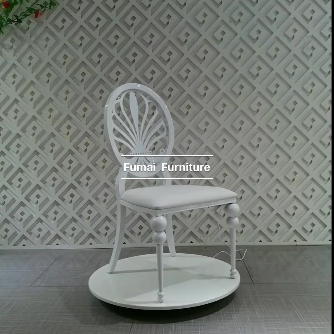 Luxury Chairs For Wedding White Color Iron Frame Carved Backrest Luxury Chair
