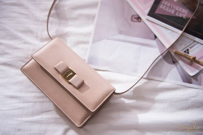 【精品】Salvatore Ferragamo裸色Miss Vara Bow Cross Body Bag