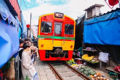 【曼谷】絕對難忘,美功鐵道市場+安帕瓦水上市場的人文體驗之旅
