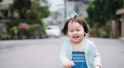 """【育兒】Riley寶寶1歲3個月終於會叫爸爸囉!聽到""""我愛你""""立刻會親媽媽!"""