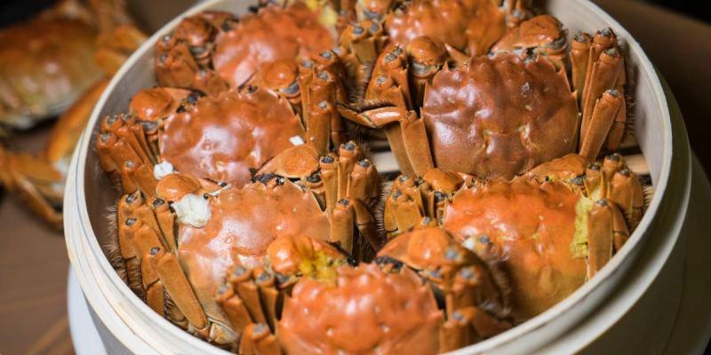 香格里拉台南遠東國際大飯店|台南最強期間限定大閘蟹吃到飽!品嚐大閘蟹蟹膏就是現在。