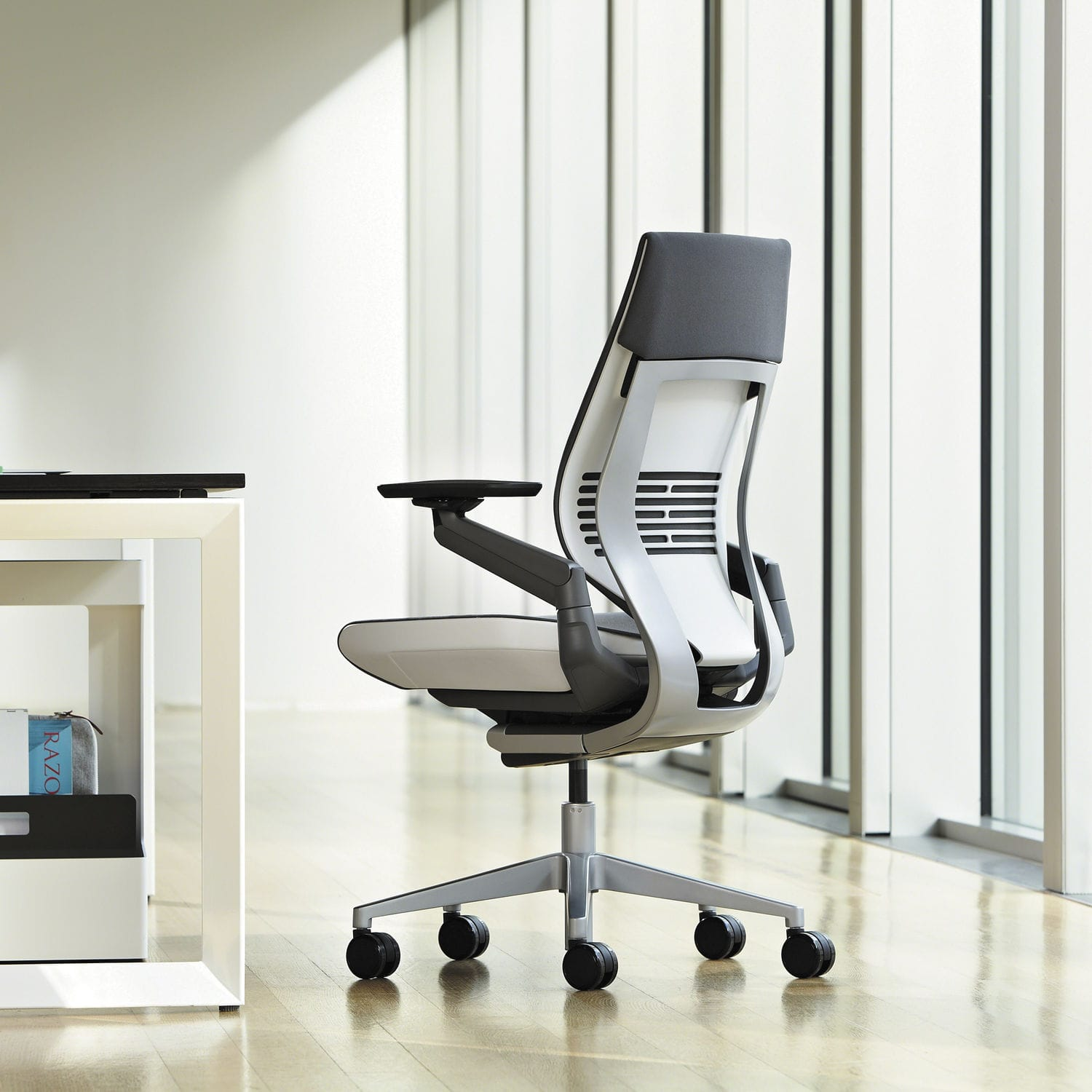 Fauteuils Steelcase Contemporary Office Armchair Fabric Leather Steel Gesture Steelcase