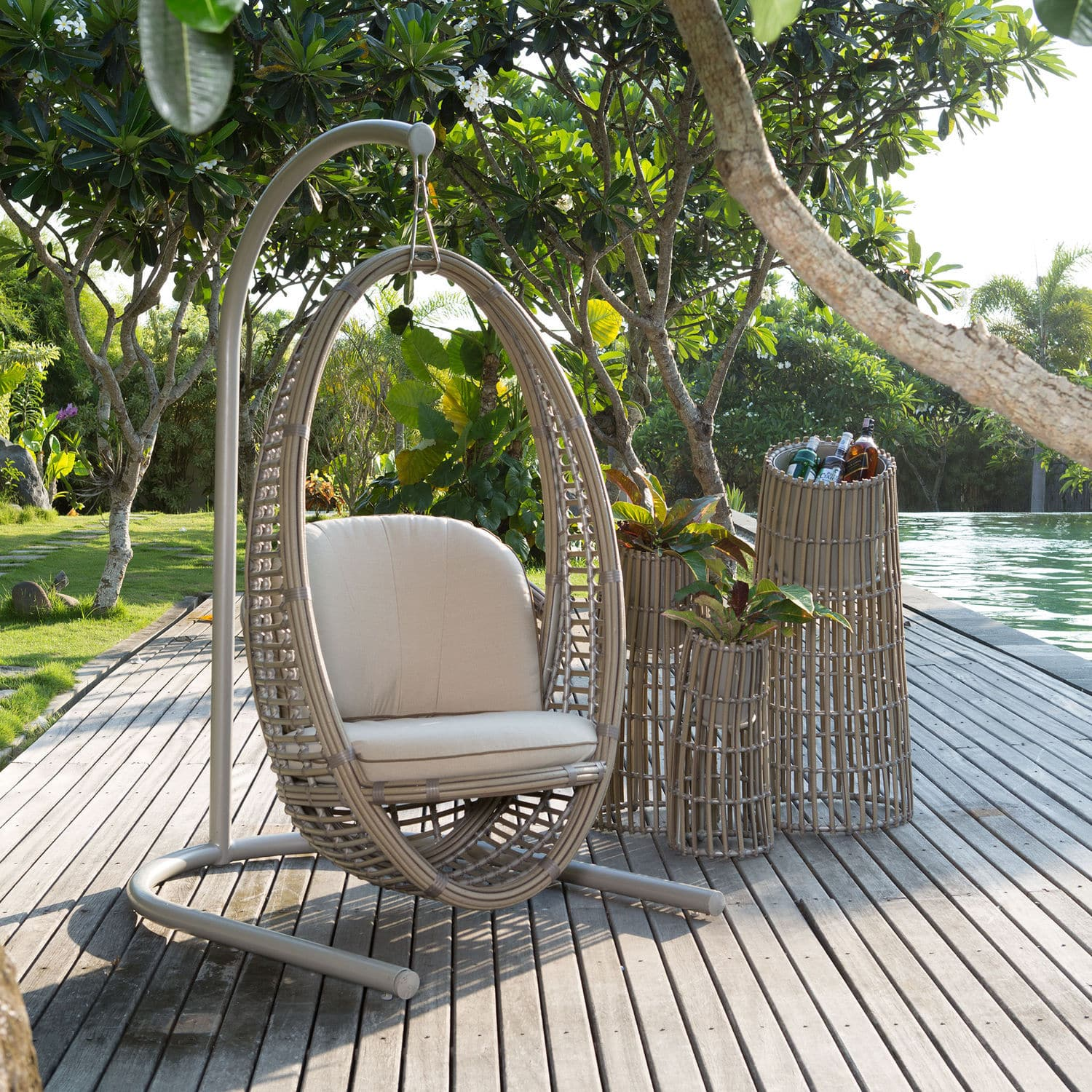 Hanging Outdoor Chairs Contemporary Hanging Chair Polymer Rattan Outdoor Heri