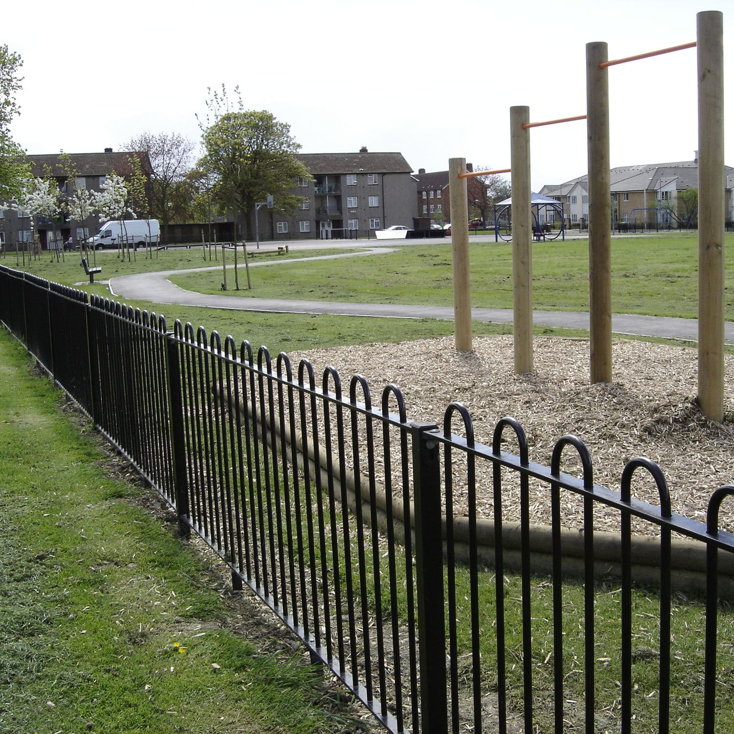 Garden Zaun Garden Fence For Public Spaces For Athletic Fields With Bars