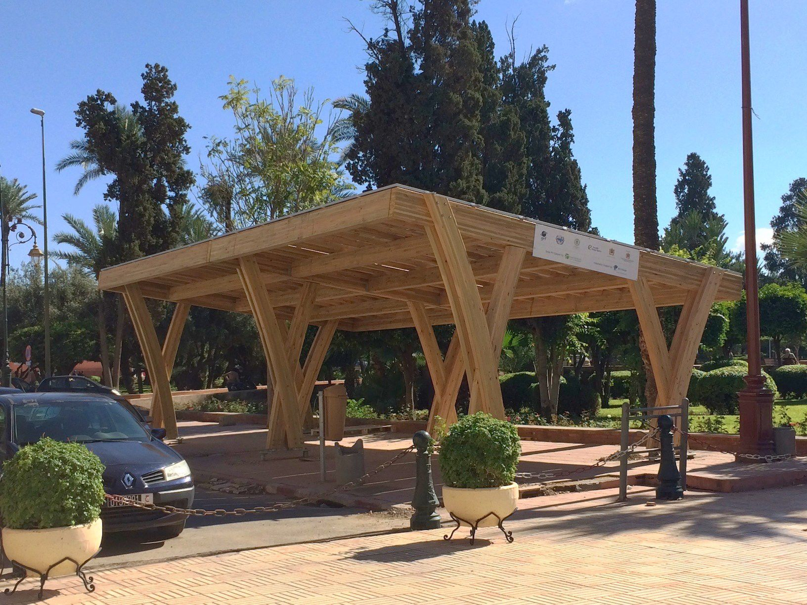 Karpot Wooden Carport - Innoventum - Commercial / With Integrated Photovoltaic Panel