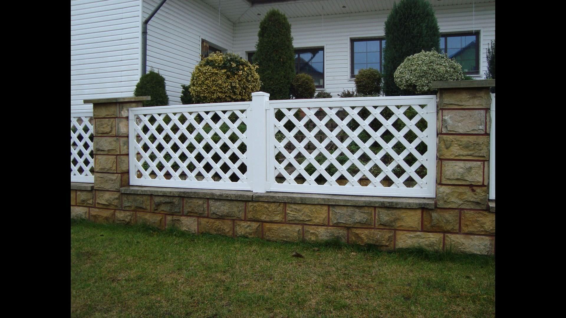 Steccato Da Giardino In Pvc : Recinzioni da giardino in pvc pannelli divisori da giardino in