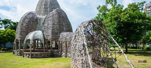  高雄景點 期間限定,用25萬蚵殼和5千支竹子打造的『聚』竹蚵地景藝術