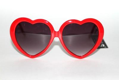New 5039s Vintage Style Designer Gray Lenses Red Heart