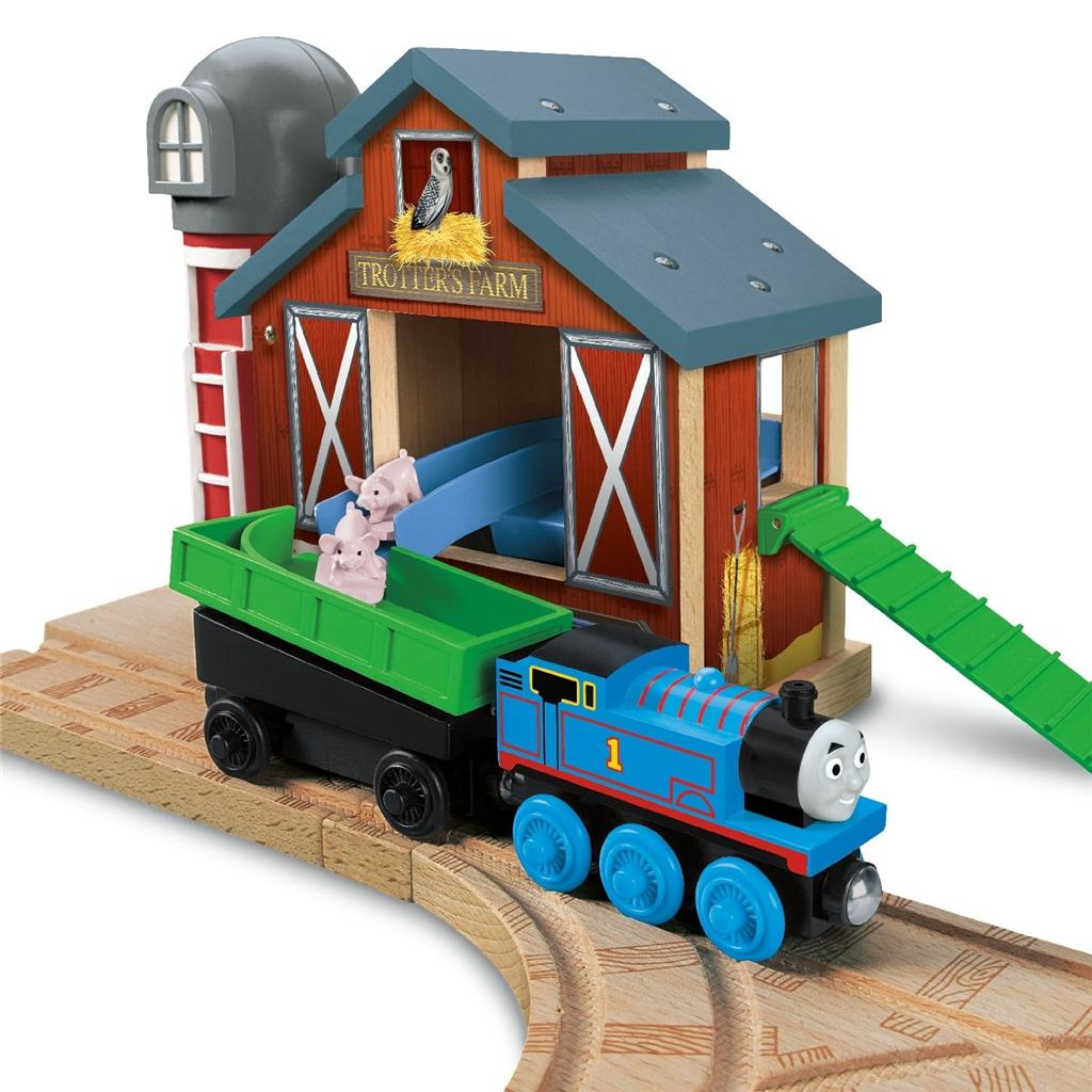 Thomas Wooden Railway Farmhouse Pig Parade Set Trotters Pig Barn Thomas And Friends Wooden Farmhouse Pig