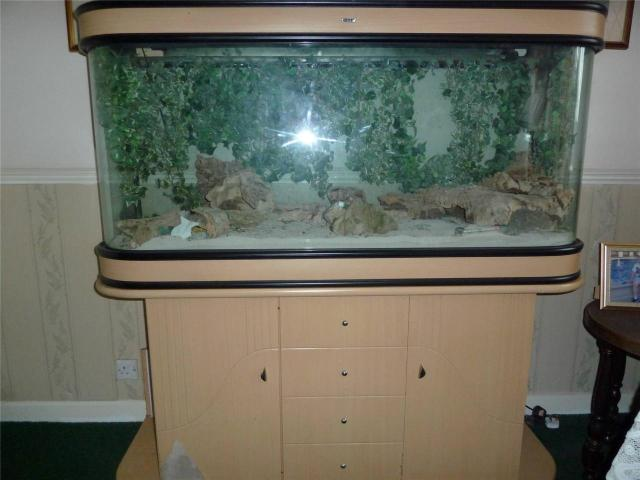 Fish tank accessories ebay aquarium with custom stand for Small fish tanks for sale
