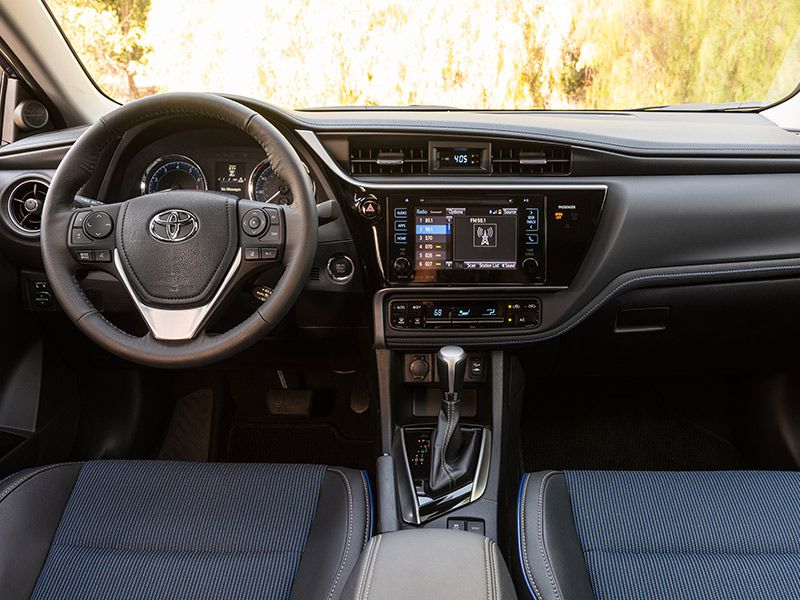 Review Hd Interieur 2017 Toyota Corolla Road Test And Review | Autobytel.com