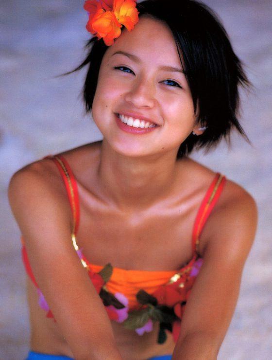 デキ婚した鈴木亜美 の若い頃の水着姿がエロすぎだぞwwww