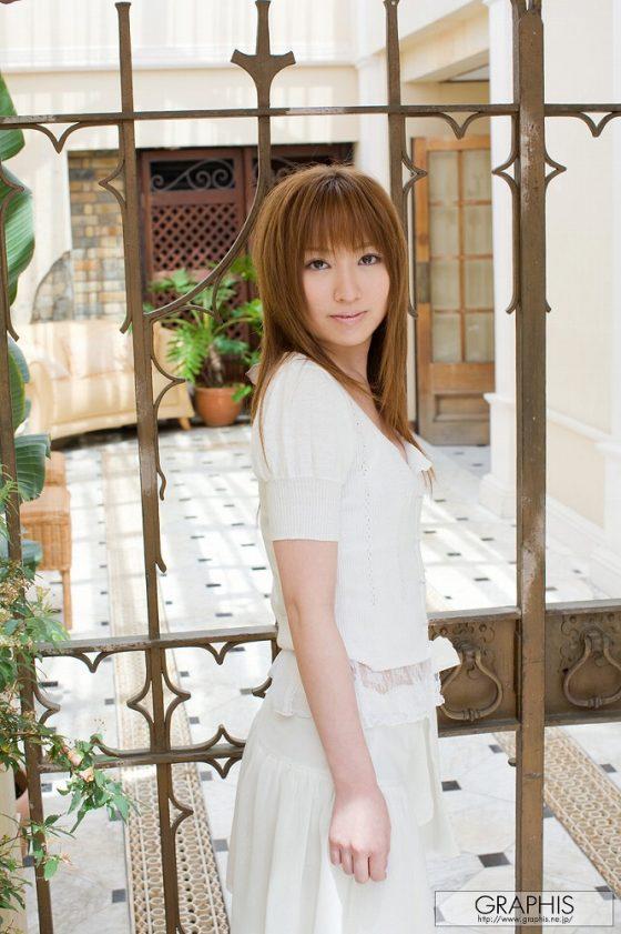 美乳で美人なのに全然売れなかったAV女優の激エロヌードがこちらwww