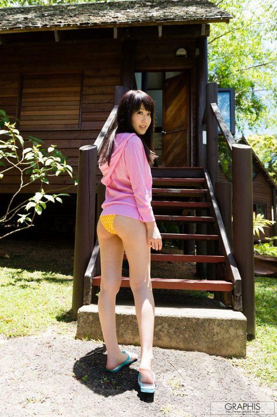 ムッチリした身体に巨乳が目立つぷるぷるAV女優の素っ裸wwww