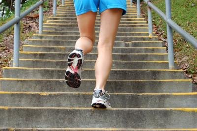 What Is the Best Form of Cardio to Eliminate Stomach Fat?