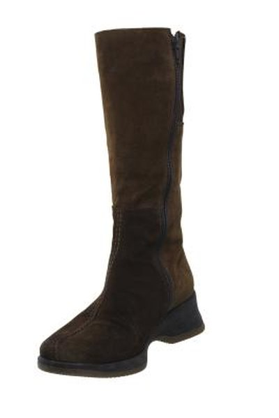 How To Use Kiwi Mink Oil To Waterproof Boots Livestrongcom