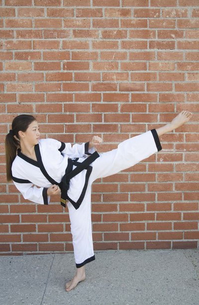 What Are the Differences in Karate, Kung Fu  Taekwondo