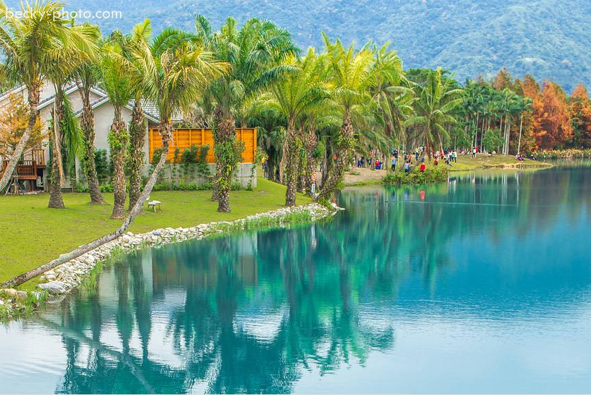 【花蓮】。藍天.湖岸.大草原  這裡是台灣後山*花蓮必來景點 │ 四季不同的夢幻湖[雲山水]