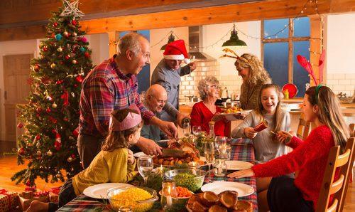4 temas de conversación que debes evitar en tus reuniones familiares