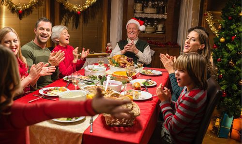 5 excusas para no ir a una cena de Nochebuena o Nochevieja - Bekia