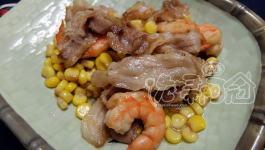 飲食自煮|蝦子揪五花肉在玉米池打滾