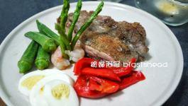 ®人妻廚房®懶人料理-繽紛迷迭香煎雞排海陸大餐