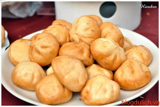banh bao chien1 Những món ăn đường phố giá rẻ ở Hà Nội