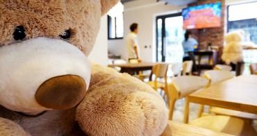 【台中咖啡早午餐】 山姆馬克咖啡B&B 馬克咖啡二店 - 5/3正式開幕.黑色建築物矗立在巷弄民宅裡.簡單裝潢.餐點分量有誠意