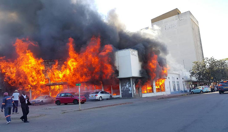 Watch Building On Fire In Bulawayo Cbd Bulawayo24 News
