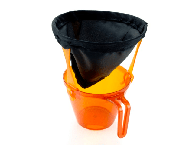 Uma cafeteira ultra-leve de gotejamento.