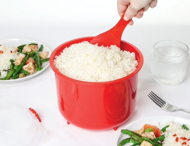 A cooker that makes fluffy rice right in the microwave.