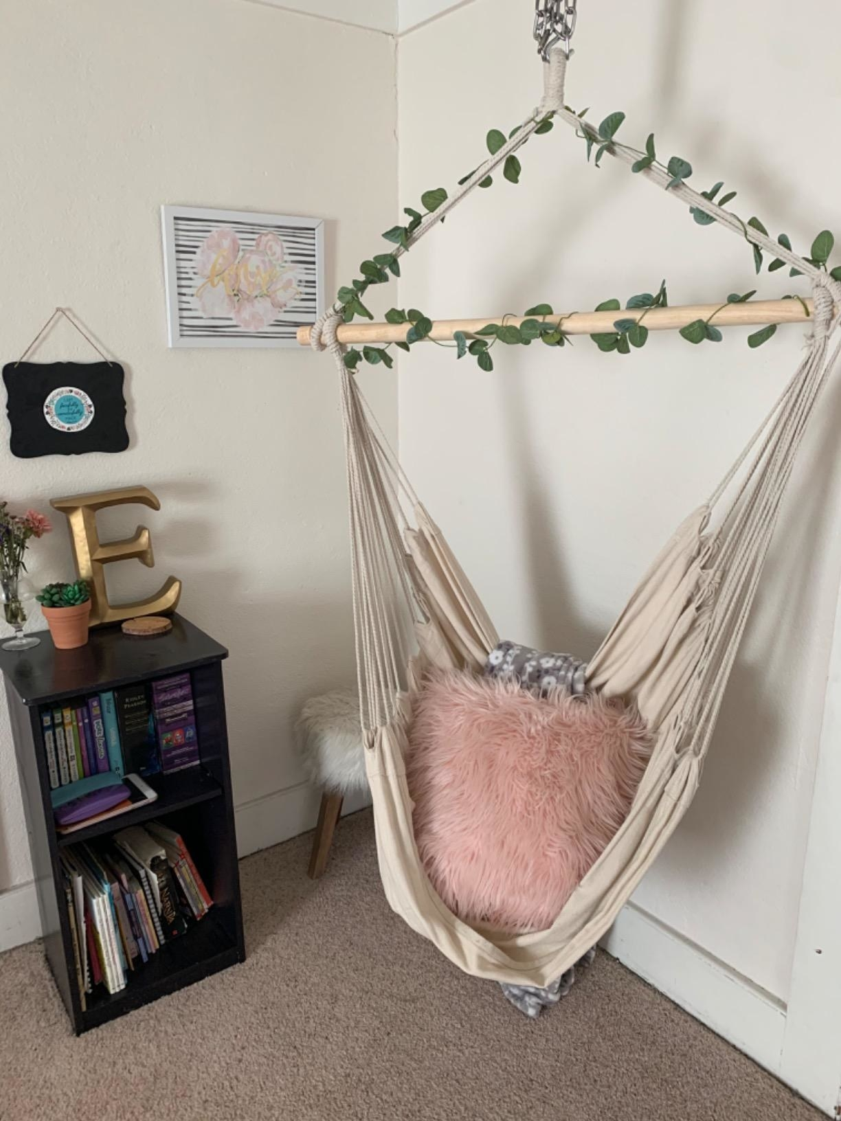 28 Things To Turn Your Bedroom Into A Spring Oasis