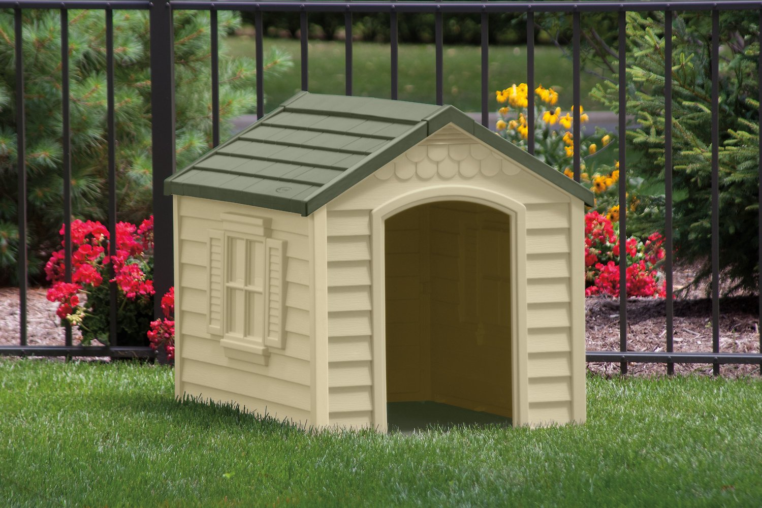 Dog House Suncast Dh250 Deluxe Dog House