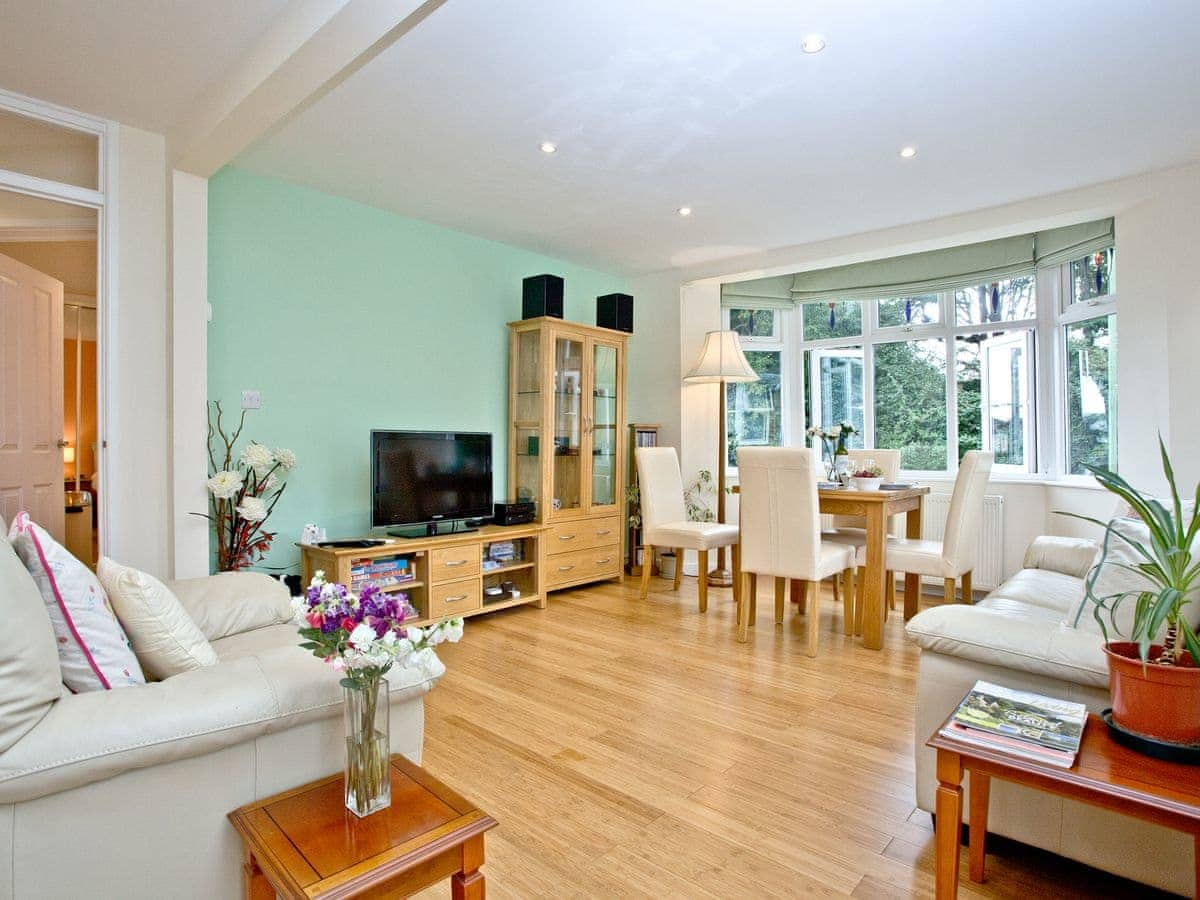 Oldway Apartment Ref Bcoldapt In Paignton Devon Welcomecottages