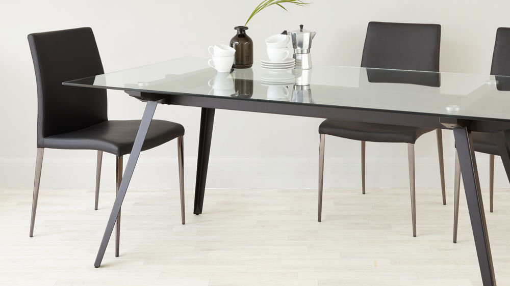 6 8 Seater Glass Dining Table Black Powder Coated Legs