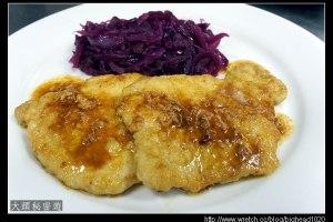 [西餐]主菜類 煎豬排附燜紫高麗菜