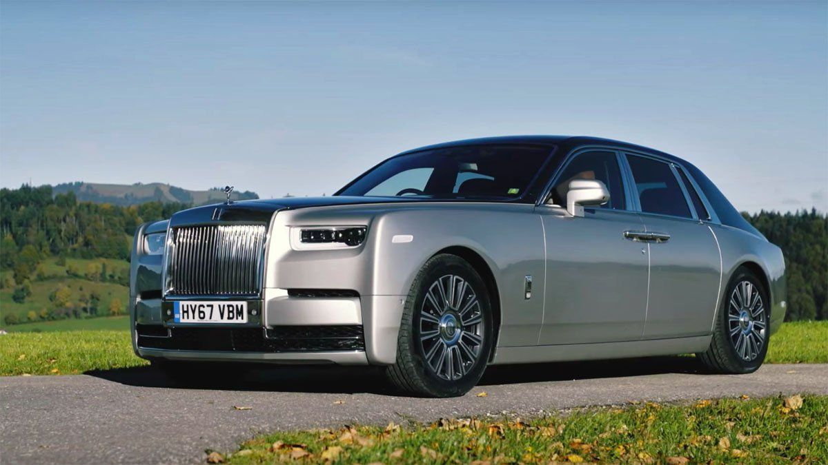 Phantom Serenity Eighth Generation Rolls Royce Phantom Is Opulent Serenity On Wheels