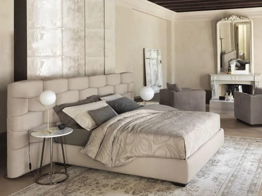 MAJAL Bett mit Polsterkopfteil By Flou Design Carlo Colombo - die betten von flou