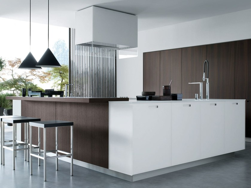 Lacquered linear wooden kitchen KYTON By Varenna by Poliform - house sale contract