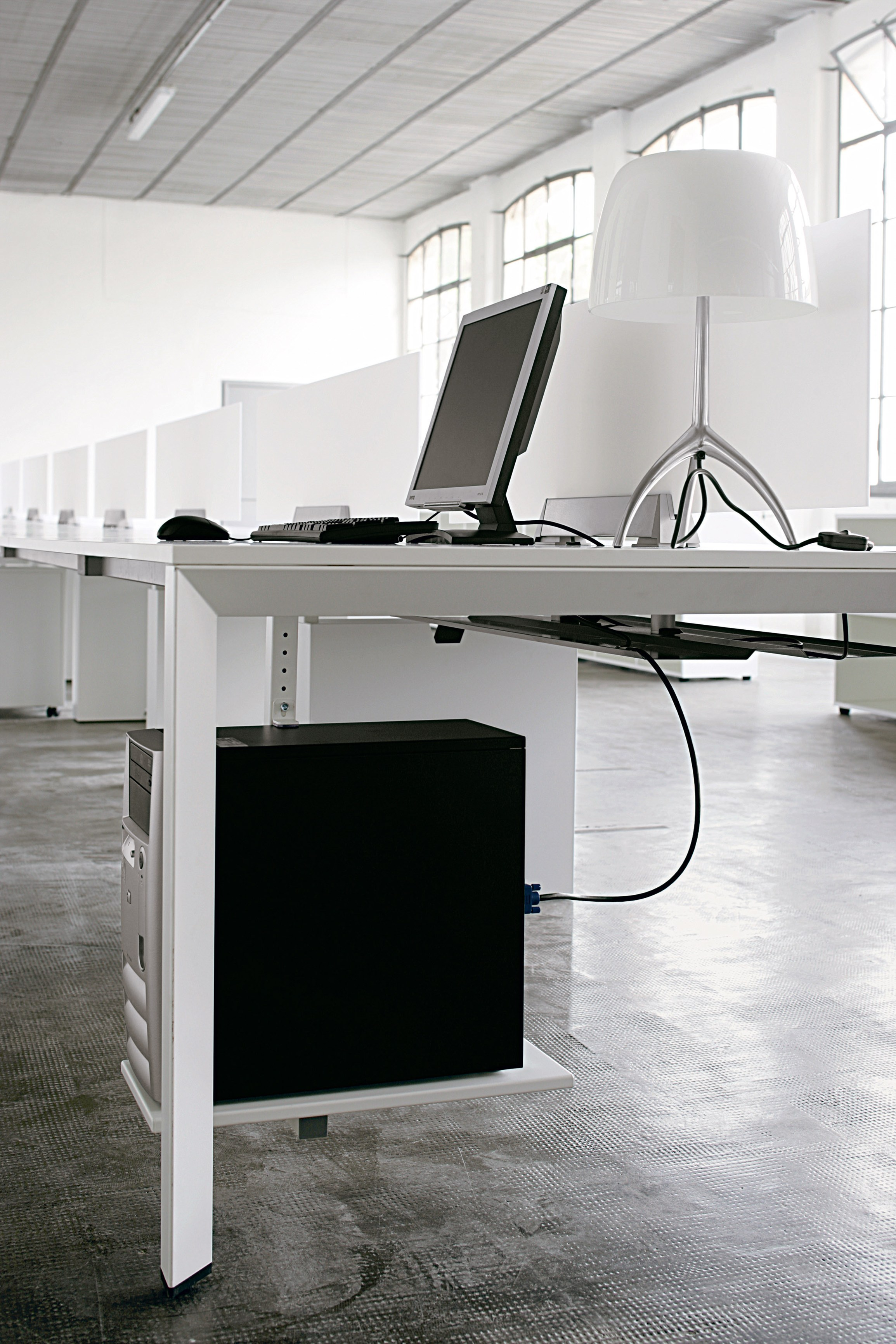 Bureau Composable Diamond Operative By Sinetica Industries Design Hangar